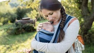 رحمة ضياء سيدة مصرية شعرت بالاكتئاب بعد معرفتها بحملها الذي لم يكن مخططا له تحكي تجربتها.