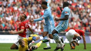 Community Shield: Manchester United 3-2 Manchester City - Joleon Lescott scores the first goal for City