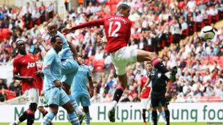 Community Shield: Manchester United 3-2 Manchester City - Chris Smalling scores the first goal for United