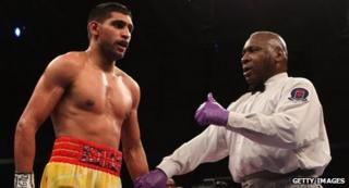 Khan and referee