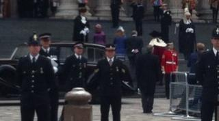 Princesses Beatrice and Eugene arriving
