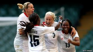 Steph Houghton celebrates with fellow Team GB players