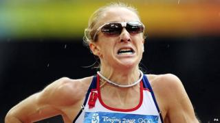 Paula Radcliffe runs at Beijing Games
