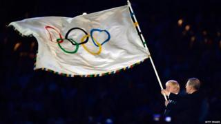 Olympic flag handed over at the London 2012 Olympics closing ceremony