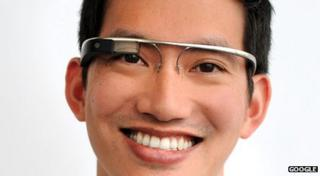 Stephen Lau wearing Google glasses