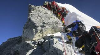 Climbers queuing to reach Mount Everest summit