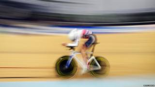 Tao Geoghegan Hart cycling in the velodrome