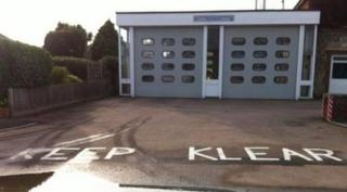 Keep Klear road markings