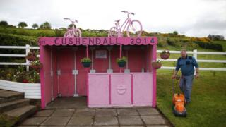 Pink bus shelter