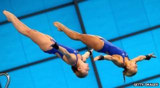 England's Tonia Couch and Sarah Barrow dive in tandem