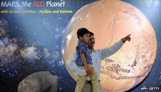 Indian children celebrate Indian space mission