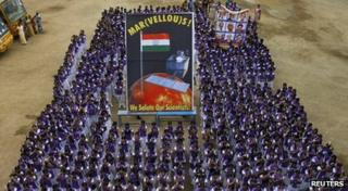 India celebrates spacecraft to Mars