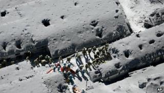Searchers on Mount Ontake (29 Sept)