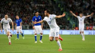 Andros Townsend celebrating after scoring