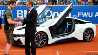 Andy Murray being handed keys to car
