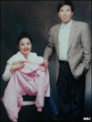 Nina Wang and Tony Chan (lawyer handout picture 2007)