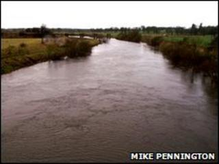 River Isla. Copyright Mike Pennington and licensed for reuse under Creative Commons Licence