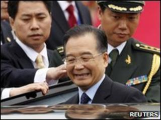 Chinese Premier Wen Jiabao arrives in Seoul military airport, 28 May