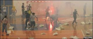 Handball fans fighting
