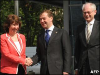 Russian President Dmitry Medvedev (centre) with EU foreign policy chief Baroness Ashton and European Council President Herman Van Rompuy, 31 May 10