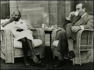 Mahatma Gandhi and Lord Mountbatten in New Delhi 1947