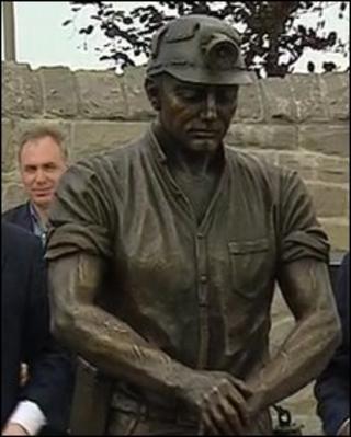 Auchengeich miners memorial