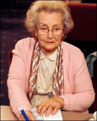 Margaret John in BBC comedy Eyes Down