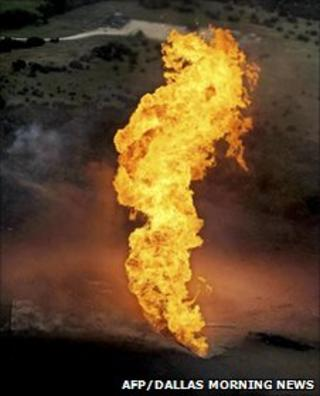 Explosion on natural gas line in Texas