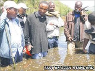 Philip Onyancha (third from left) (Photo: East African Standard)