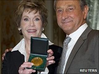 Jane Fonda and Paris mayor Bertrand Delanoe