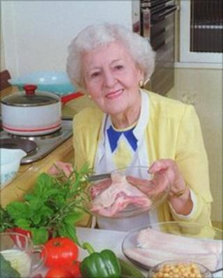 Marguerite Patten in 2001