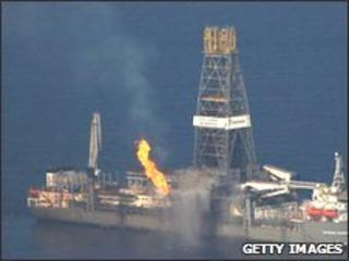 Drill ship over Gulf oil spill