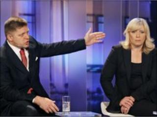 Robert Fico (left) and Iveta Radicova, TV debate - 13 June 2010