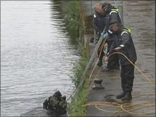 Underwater search teams in Leeds