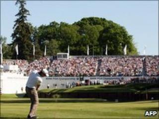 Golfer Simon Khan playing at Wentworth