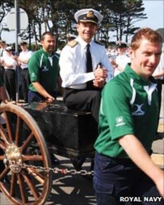Capt Graeme Mackay and the RNAS Culdrose field gun crew