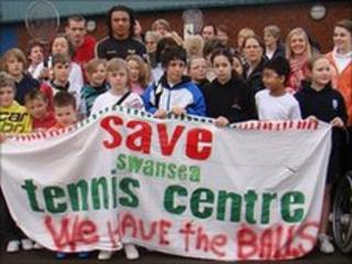 Campaigners hoping to save Swansea Tennis Centre