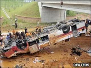 Bus crash near Seoul's international airport, 3 July