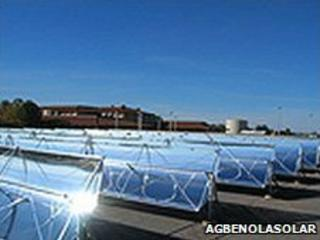 Solar troughs at a power plant built by Abenoga Solar (Picture from Agbenolasolar.com)