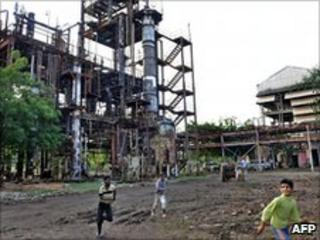 The abandoned Union Carbide factory in Bhopal (file image)