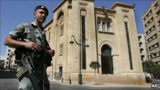 Soldier at the Lebanese parliament (file)