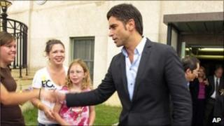 John Stamos meets fans outside court