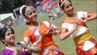 Mela festival dancers