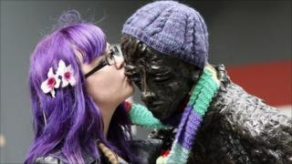 Yarn bombing: Siobhan Barbour keeps a Belfast statue warm