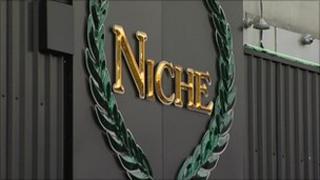Niche nightclub sign