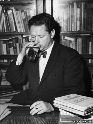Dylan Thomas at a book signing in New York circa 1950