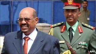 Sudan President Omar al-Bashir leaves Khartoum (21/07)