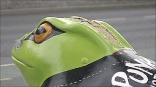 Vandalised toad