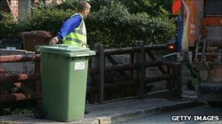 Worker collecting green bin (generic)
