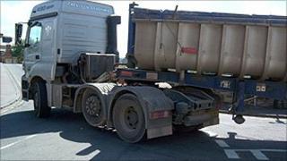 Lorry in Usk street